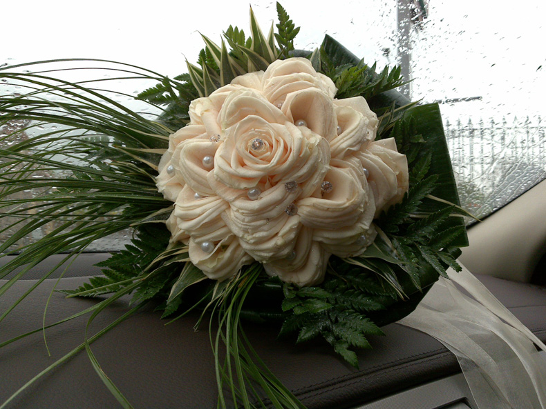 Matrimonio Girasoli E Rose Bianche : Bouquet sposo sposa emporiofloreale