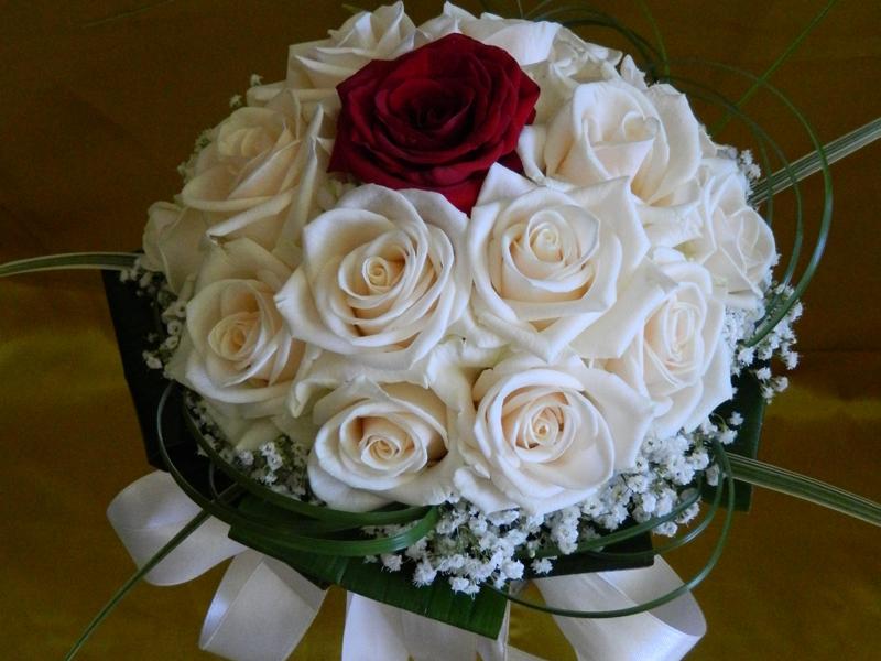 Bouquet Sposa Tondo.Bouquet Sposo Sposa Www Emporiofloreale It